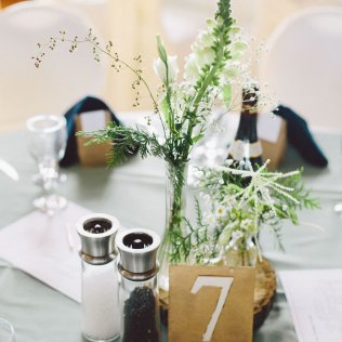 DIY Wedding Flowers - JanessaMann.com