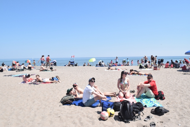 Beach Day at Woodbine Park - JanessaMann.Com